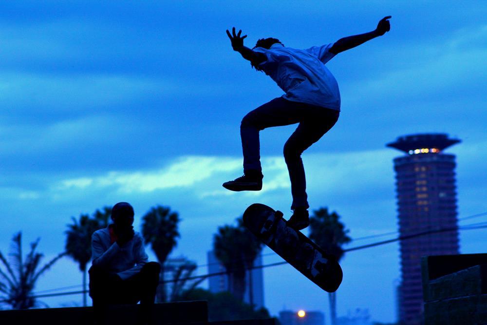 Skateboarding_Zuko
