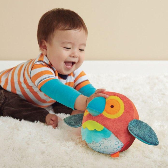 bebé jugando Nikidom