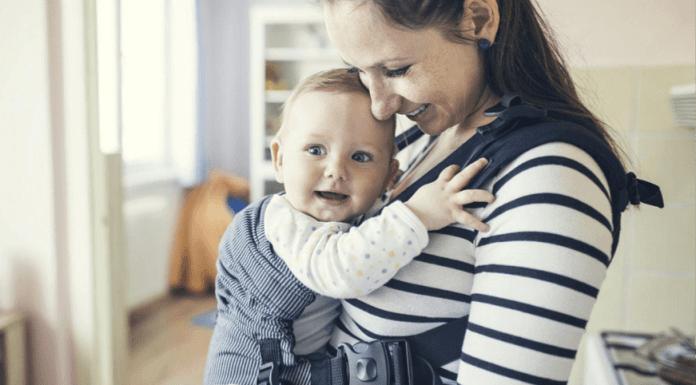 Los beneficios de usar una mochila portabebés