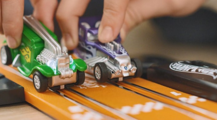 Circuito Hot Wheels Dino Challenge y Hot Wheels Cobra Speed