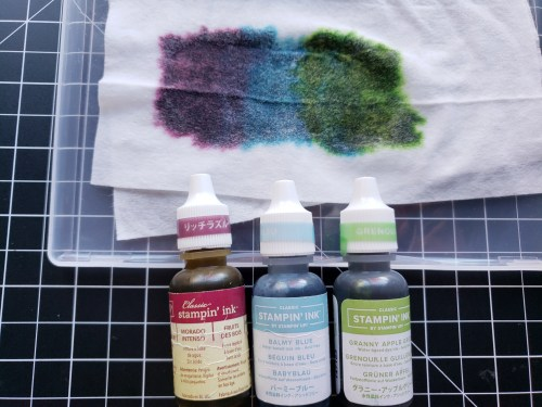 Learn to use this baby wipe technique to make your own multicolored ink pad. A neat way to stamp multicolored images on your card projects!