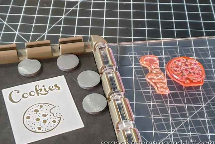 Take a look at today's card making hack and get your edges to stamp perfectly while using the MISTI or Stamparatus. Works every time!