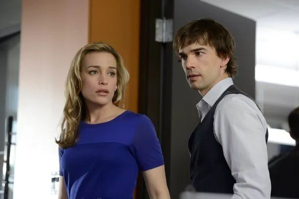 Pictured: (l-r) Piper Perabo as Annie Walker, Christopher Gorham as Auggie Anderson -- (Photo by: Steve Wilke/USA Network)