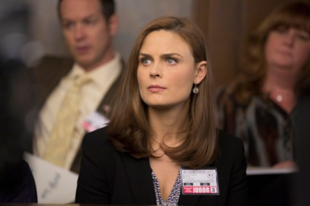 """Brennan (Emily Deschanel) is a juror on the trial of a professional soccer player who is accused of murdering his wife in the """"The Fury in the Jury"""" time period premiere episode of BONES airing Friday, Nov. 15 (8:00-900 PM ET/PT) on FOX.  © 2013 Fox Broadcasting Company.  Cr:  Jennifer Clasen/FOX"""