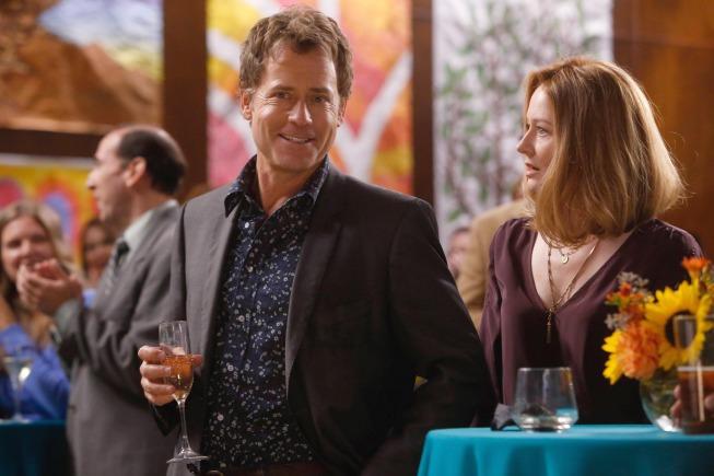 Keegan (Greg Kinnear, L) tries to impress Maddy (Miranda Otto, C) at his son's school charity auction. Co. Cr: Jordin Althaus/FOX