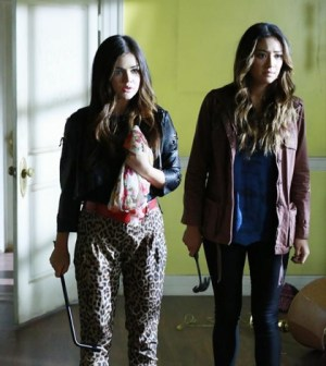 (ABC FAMILY/Ron Tom) LUCY HALE, SHAY MITCHELL
