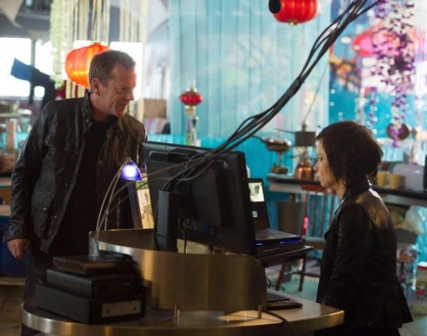 Jack (Kiefer Sutherland, L) works with Chloe (Mary Lynn Rajskub, R) in the special two-hour season premiere episode of 24: LIVE ANOTHER DAY. Co. Cr: Christopher Raphael/FOX