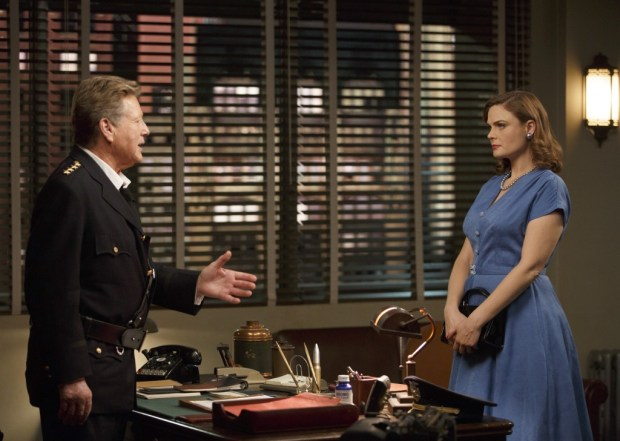 Pictured L-R:  Guest Star Ryan O'Neal and Emily Deschanel.  ©2014 Fox Broadcasting Co.  Cr: