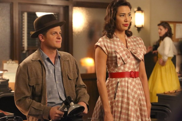 Pictured L-R:  Guest star Michael Grant Terry and Michaela Conlin.  ©2014 Fox Broadcasting Co.  Cr:
