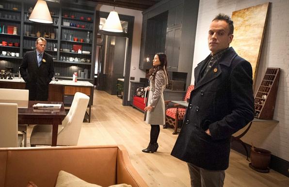 Pictured (L-R) Aidan Quinn as Captain Gregson, Lucy Liu as Joan Watson, Jonny Lee Miller as Sherlock holmes. Image © CBS