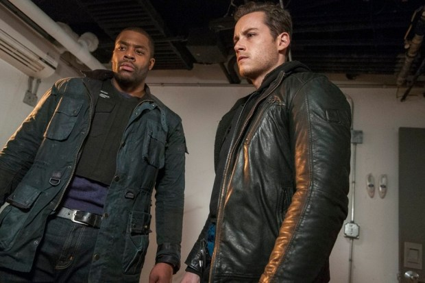 Pictured: (l-r) Laroyce Hawkins as Kevin Atwater, Jesse Lee Soffer as Jay Halstead -- (Photo by: Matt Dinerstein/NBC)