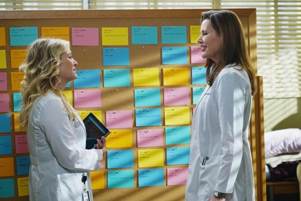 (ABC/Richard Cartwright) JESSICA CAPSHAW, GEENA DAVIS