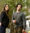 Pictured (L-R): Phoebe Tonkin as Hayley and Nathan Parsons as Jackson -- Photo: Guy D'Alema/The CW