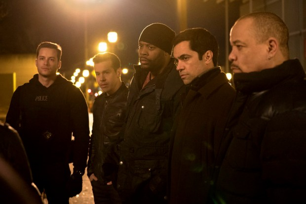 "Pictured: (l-r) Jesse Lee Soffer as Jay Halstead, Jon Seda as Antonio Dawson, Laroyce Hawkins as Kevin Atwater, Danny Pino as Nick Amaro, Ice-T as Odafin ""Fin"" Tutuola -- (Photo by: Elizabeth Morris/NBC)"