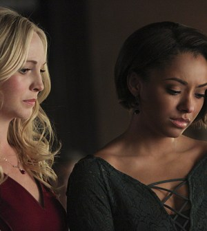Pictured (L-R): Candice Accola as Caroline and Kat Graham as Bonnie -- Photo: Annette Brown/The CW