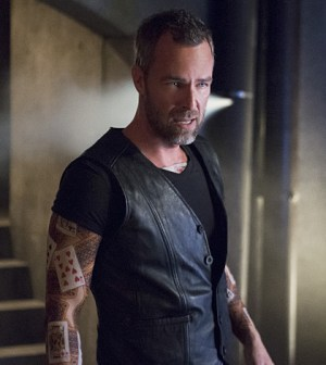 Pictured: JR Bourne as Jeremy Tell -- Photo: Diyah Pera /The CW