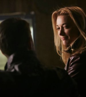 Episode 205 -- Pictured: Zoie Palmer as The Android -- (Photo by: Ian Watson/Prodigy Pictures/Syfy)
