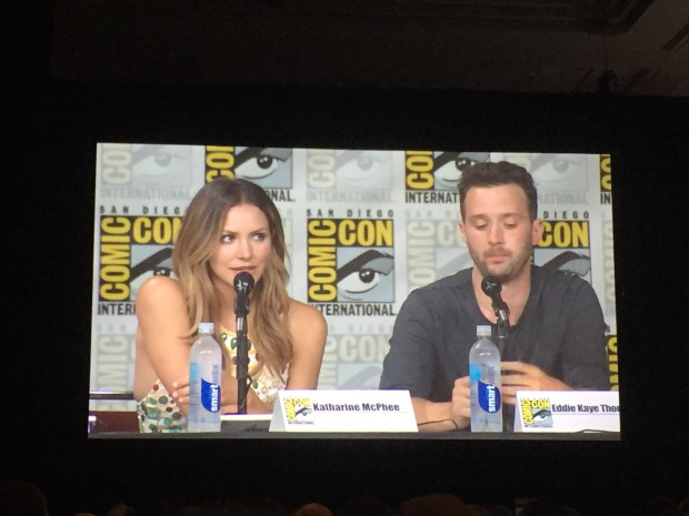 Katherine McPhee and Eddie Kaye Thomas at SDCC 2016