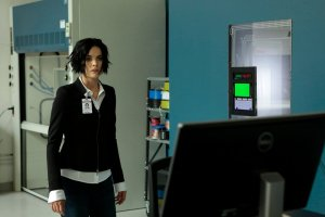 "BLINDSPOT-- ""Her Spy's Mind"" Episode 206 -- Pictured: Jaimie Alexander as Jane Doe -- (Photo by: Giovanni Ruffino/NBC)"