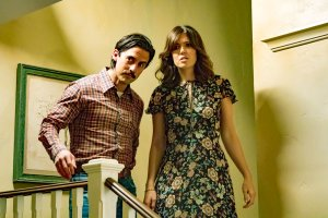 "THIS IS US -- ""Three Sentences"" Episode 113 -- Pictured: (l-r) Milo Ventimiglia as Jack, Mandy Moore as Rebecca -- (Photo by: Ron Batzdorff/NBC)"