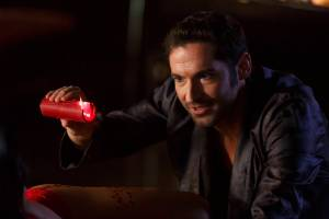 Tom Ellis as Lucifer | ©2016 Fox Broadcasting Co. Cr: Michael Courtney/FOX.