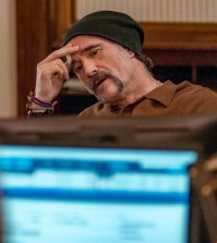 "CHICAGO P.D. -- ""Remember The Devil"" Episode 416 -- Pictured: Elias Koteas as Alvin Olinsky -- (Photo by: Matt Dinerstein/NBC)"