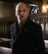Pictured Jonny Lee Miller  as Sherlock Holmes. ©2017 CBS Broadcasting, Inc. All Rights Reserved