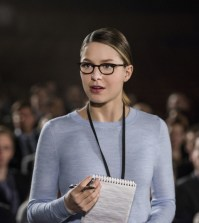 "Supergirl -- ""Ace Reporter"" Pictured: Melissa Benoist as Kara/Supergirl -- Photo: Diyah Pera/The CW"
