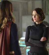 """Supergirl -- """"Resist"""" -- Pictured (L-R):  Melissa Benoist as Kara/Supergirl and Chyler Leigh as Alex Danvers -- Photo: Robert Falconer/The CW"""