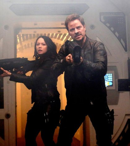 """DARK MATTER -- """"It Doesn't Have To Be Like This"""" Episode 302 -- Pictured: (l-r) Melissa O'Neil as Two, Anthony Lemke as Three -- (Photo by: Stephen Scott/Dark Matter Series 3/Syfy)"""