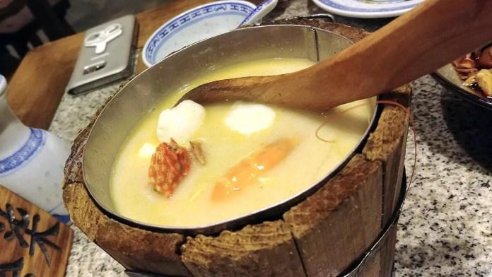 Jiangnan Seafood Bucket soup at Nanjing Impressions Plaza Singapura.