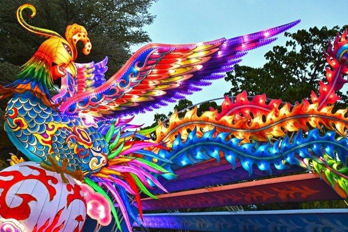 Phoenix Lantern at Gardens by the Bay Mid-Autumn Festival 2017.
