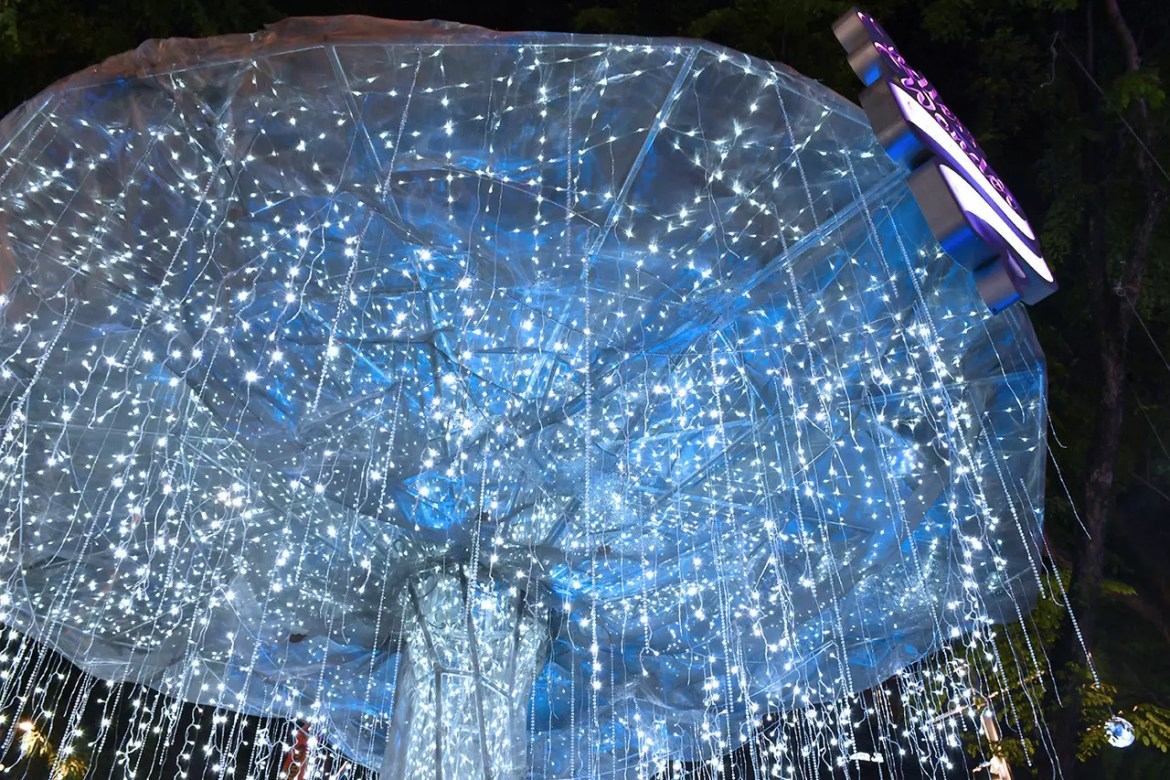 Orchard Road Christmas Light Sculpture 2