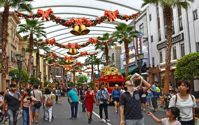 A Universal Christmas 2017, Hollywood Zone.