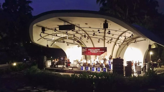 Duke Ellington Orchestra in Singapore - Satin Doll Ending