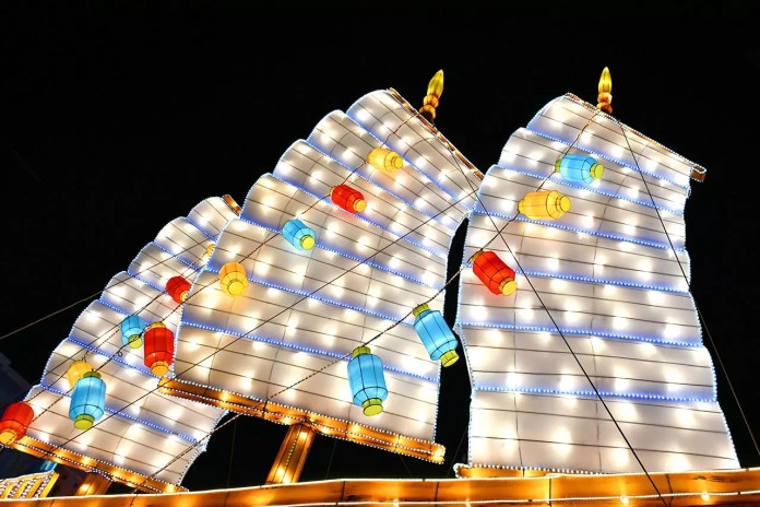 Illuminated Chinese Junk Lantern in Chinatown, Singapore
