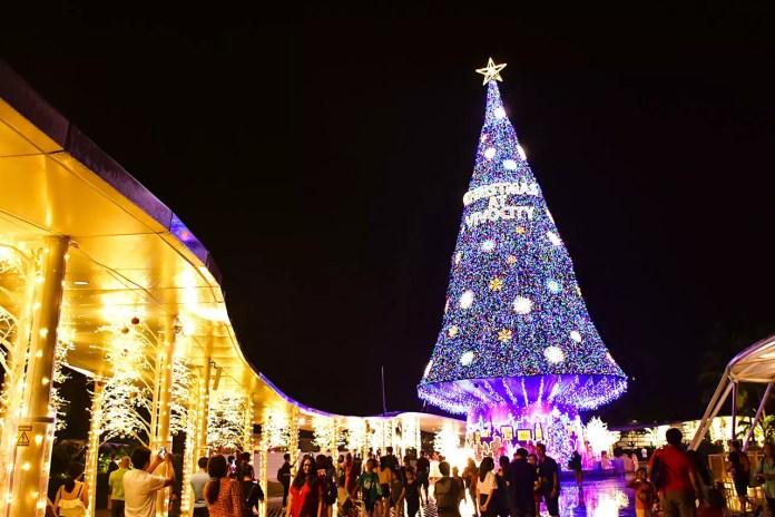 Vivocity Singapore Christmas 2018 Decorations.