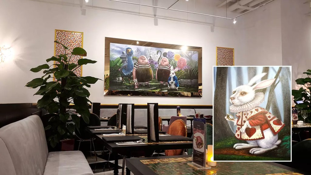 Wonderland Savour VivoCity Restaurant Interior.