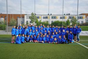 Neue Trainingsjacken für Mädchenfußball