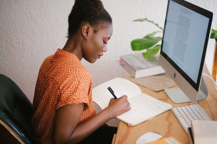 """Scrivere un romanzo: l'importanza del """"tema"""""""