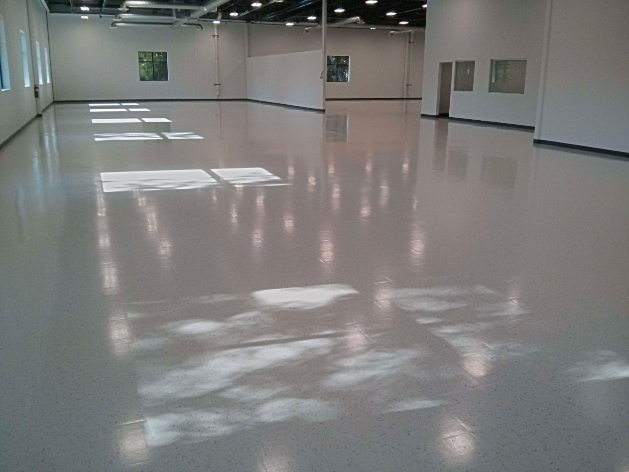 New construction vct vinyl tile floor cleaning sealing and clear plymouth floor finish services dailygadgetfo Images