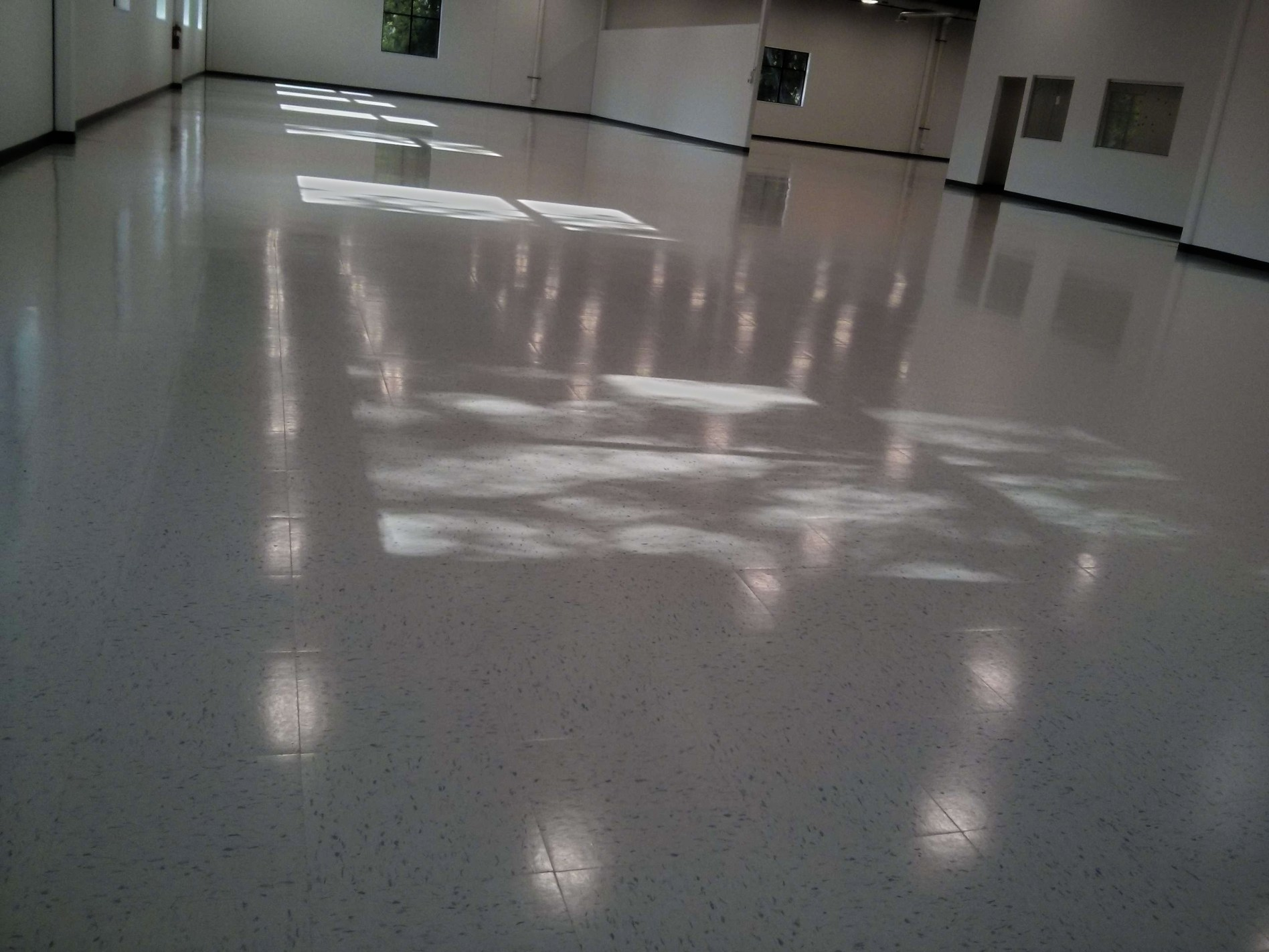 New construction vct vinyl tile floor cleaning sealing and clear plymouth floor finishing services dailygadgetfo Images