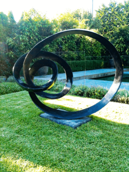 Evolve-Bronze-Lachlan-Ross-2metres-750x1000