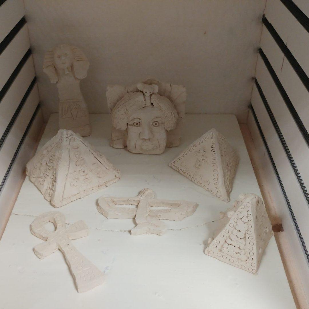 poterie enfants sur le theme de Egypte