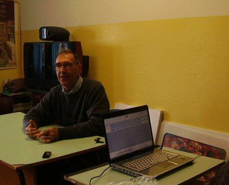 Padre Vittorio Farronato durante l'intervista a Piancavallo