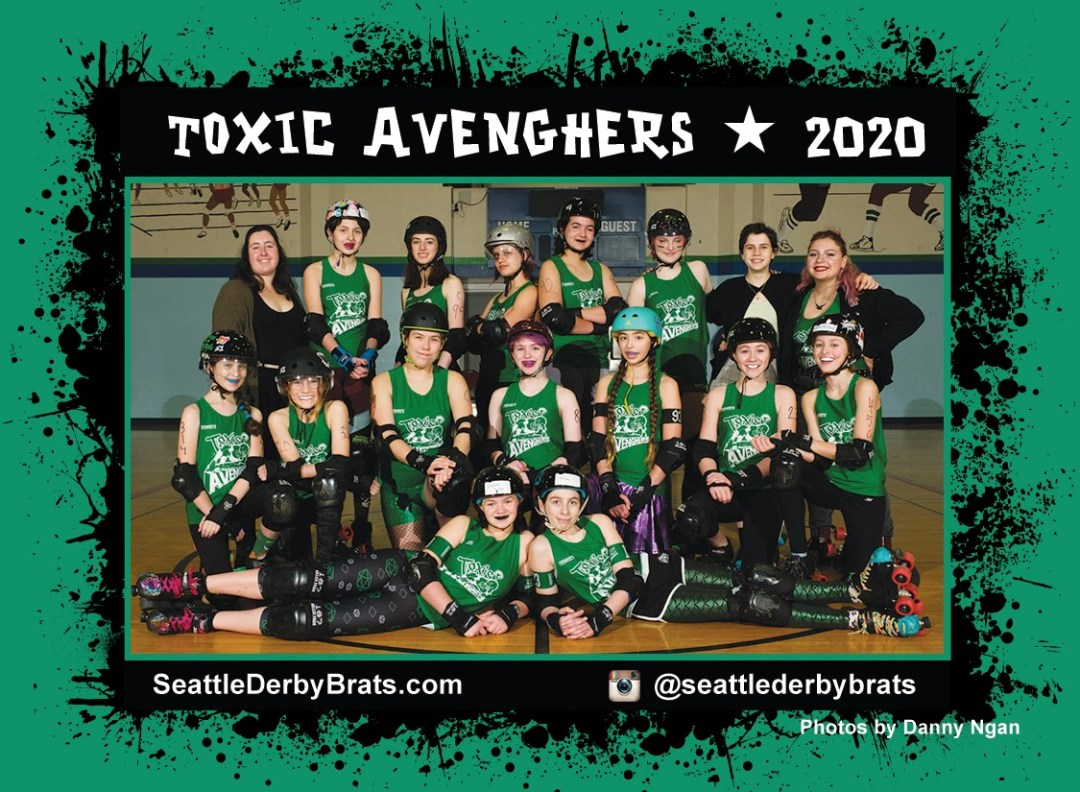 Toxic AvengHers 2020 Team Photo featuring the junior roller derby team in their dark green jerseys, safety gear, and helmets that showcase their personality.