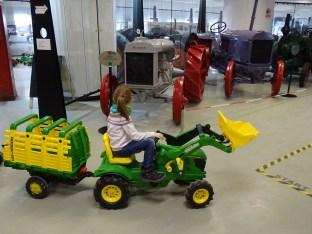 NZM - Traktor jede