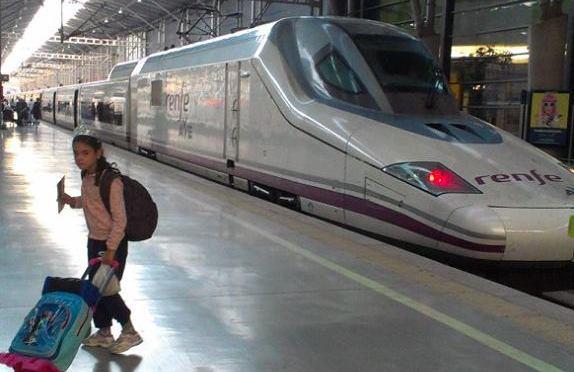 S dítětem 54 hodin vlakem na jih Španělska