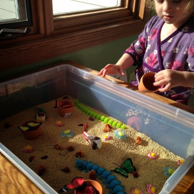 Mommy Mondays: Spring Sensory Play