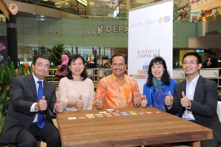 L-R: Portugal Ambassador H.E. Luis Joao De Sousa Lorva; Michelle Nursalim, Indonesia Ambassador H.E Ngurah Swajaya, Cherie Nursalim, China's Cousellor and Consul General Wang Jiarong